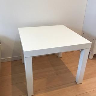 IKEAのローテーブル