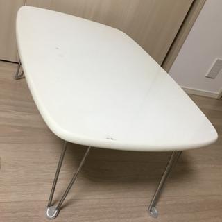 脚折れテーブル