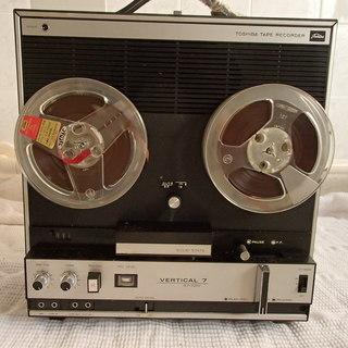 東芝テープレコーダー バーチカル7/ GT-701V