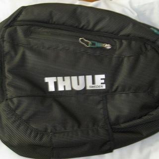 """スウェーデンのブランド""""THULE""""のスリングバッグです"""