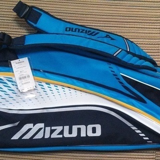 【新品・未使用】テニスラケットバッグ(6本入れ)