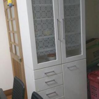 アメリカ食器棚