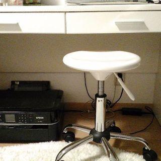 机(椅子付き)