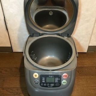 東芝 炊飯器 1.8L 10合まで炊けます RCK-AJ18Y