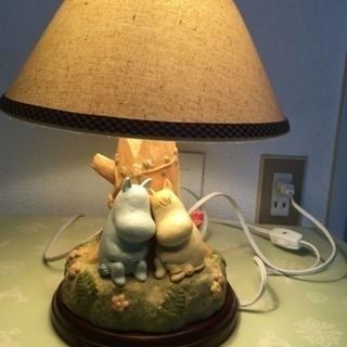 ムーミンのベッドサイドランプ