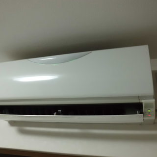 臭うエアコンクリーニング1台目¥8500  2台目〜¥6500