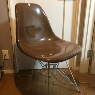 イームズのレプリカ椅子
