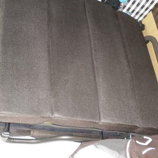 ニトリの折り畳みベッド、敷布団、掛布団(夏用と冬用に分離可能)、枕