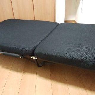 折りたたみ低反発ベッド