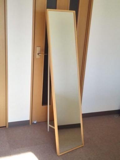 無印良品 姿見ミラー/鏡。裏に収納スペース有り。9月引