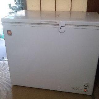 レマコム 冷凍ストッカー RRS-210CNF '12年