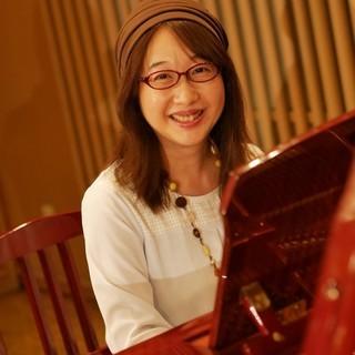【シニアのためのワークショップ 第五回 教養コース】「英語でカッコよく歌いましょう!」~ジャズボーカリスト:MARKAが教えます~40歳以上対象 − 東京都