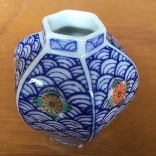 小さな花器(色鍋島)