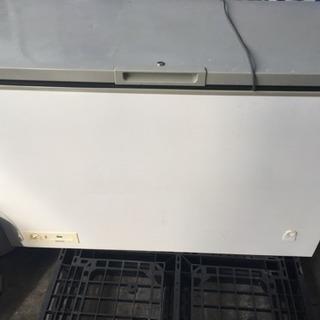 サンヨー 業務用 チェストフリーザー 冷凍庫ストッカー 255L ...
