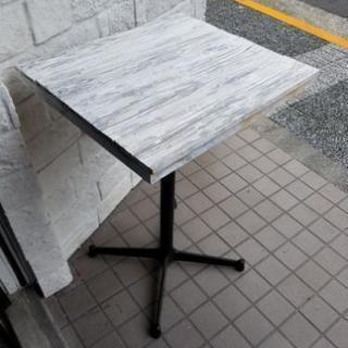Cafe テーブル