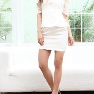 花柄刺繍袖 ペプラム タイト ミニドレス