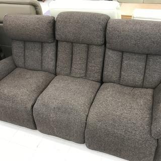 取りに来て頂ける方限定!ニトリの電動リクライニングソファーのご紹介です!