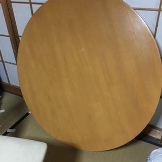 丸テーブルのダイニングセット