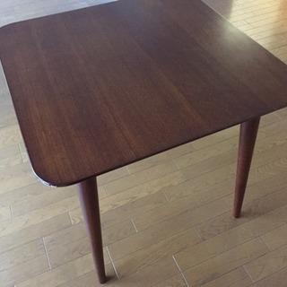 ダイニングテーブル 2人用