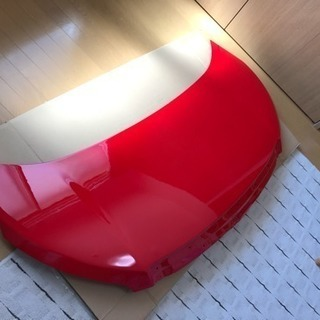 ZRR70.75 ノア ボンネット 赤 カスタムに 塗装後未使用