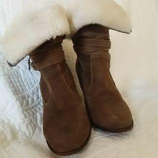 ショートブーツ  冬本番 ムートンで温かく  ワンピースにも。ス...