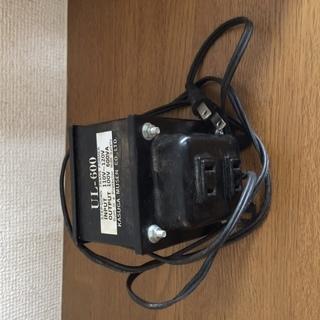 変圧器 600VA