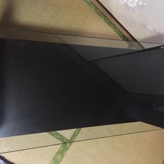 黒いガラスローテーブル