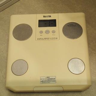 タニタ体重計・中古・体脂肪率も計れます