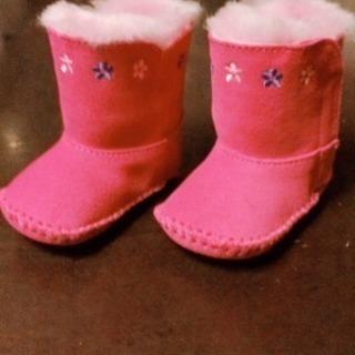 Uggの冬物ブーツ