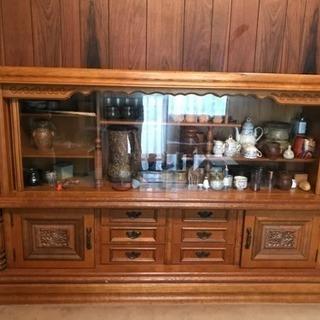 アジアンアンティークな木製の飾り棚