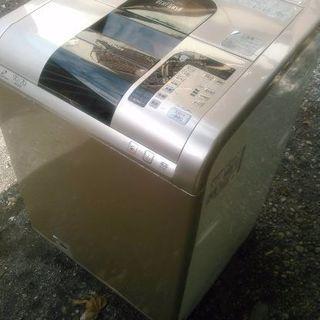 日立大型洗濯乾燥機です 洗濯9キロ乾燥7キロまで可能です