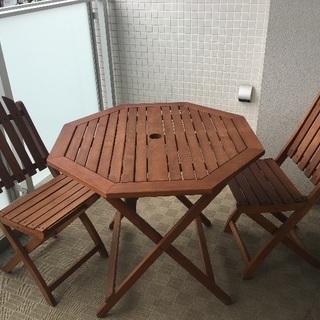 ガーデンテーブルと椅子2脚【屋外用】