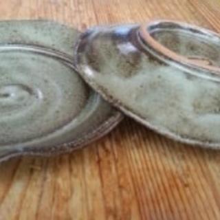 黒っぽい陶器の和皿2枚 0円<お取り引き中>