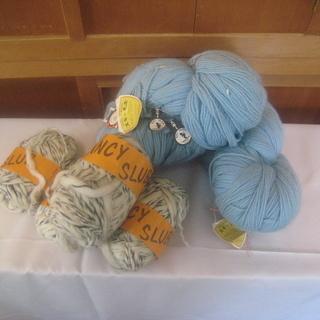 値下げしました。長期在庫した毛糸