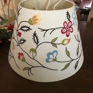 IKEAの刺繍デザイン、ランプシェード!