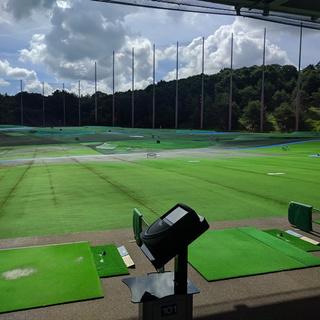 アーバンゴルフプラザ内|初心者専門ゴルフスクール