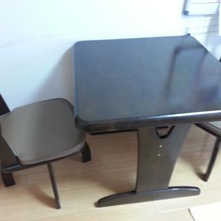 2人掛けテーブルとイス(回転式)のセット