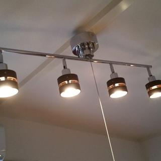交渉中●模様替えに●ニトリ シーリングライト 4灯 ウッドリング ...