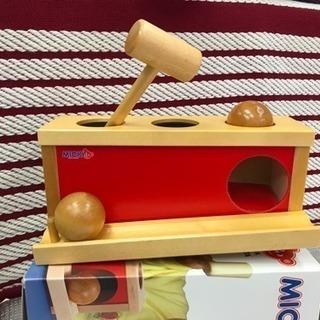 知育玩具☆2、3回使用☆MICKI ハンマー 木製 ボール落とし