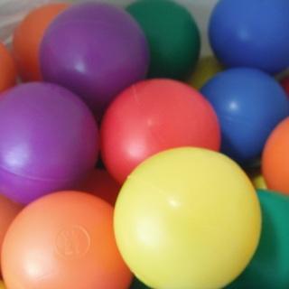 ボールプールのボール カラフル6色 90個