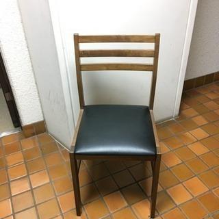 椅子 2脚あります