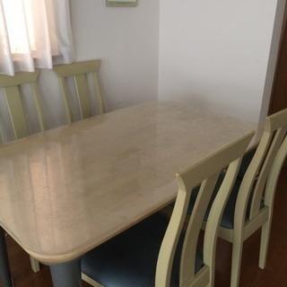 ダイニングテーブルセット(椅子4脚)