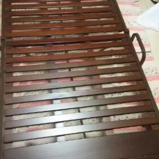 シングル木製おりたたみ式ベット(キャスター付)