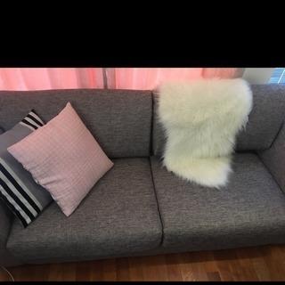 三人座れるソファー