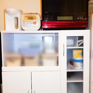 様々な家の家具、家電機器
