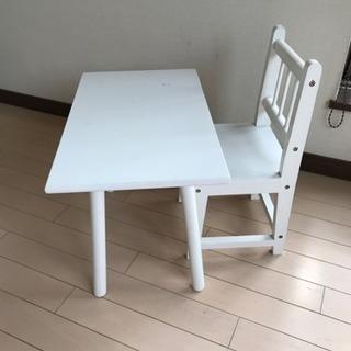 IKEAテーブルと椅子セット