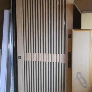 玄関サッシ引違杢目サイズ新品