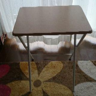 コンパクトテーブル