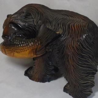 熊と鮭 木彫り 置物