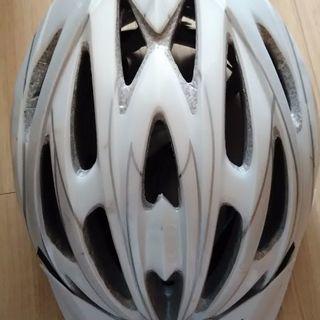 自転車用ヘルメット 細かい傷などはあります